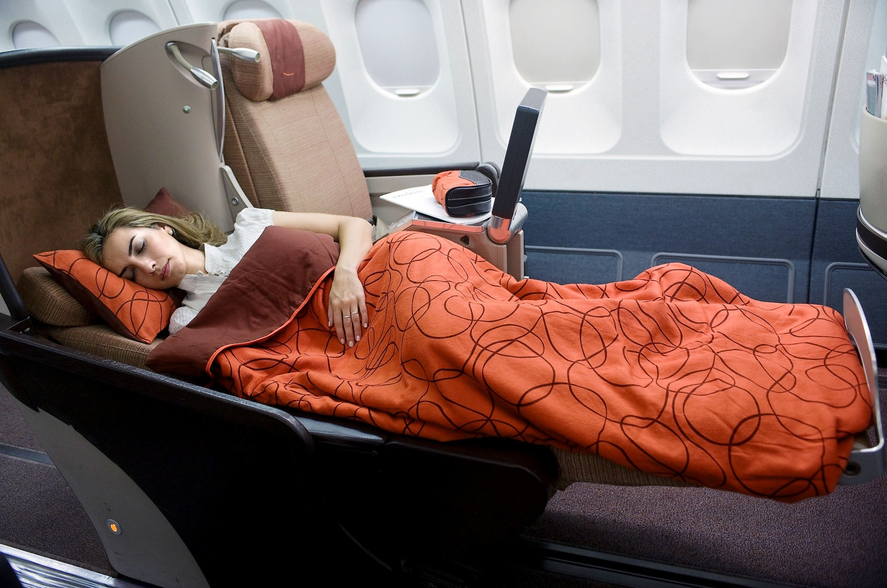 Iberia-Business-Plus-lie-flat-seat